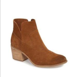 BP Brice Notched Bootie (women's)